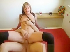 Amateur wife in leggings gets fucked