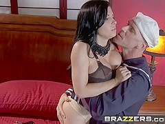 Rebeca Linares Johnny Sins - Port of Cock New Whoreleans - Brazzers