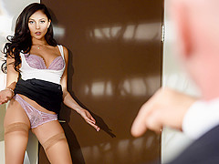 Ariana Marie & Johnny Sins in The Perfect Applicant: Part 1 - BrazzersNetwork