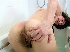 FURRY MILF - PEE & BATH
