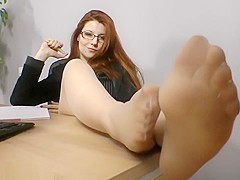 Goddess Victoria - Smelly Office-Feet in Tan Pantyhose
