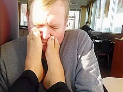Do you like smell feet ?