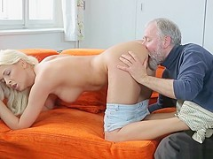 OLD GUY FUCKS ATTRACTIVE TEEN - PornZog Free Porn Clips