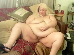 SSBBW Lilly Lovely Belly Button Fuck