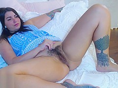 Beautiful Kdwow spreading her legs and showing her hairy holes