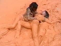 thai girls in mud 1