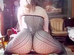 Twerking & Dripping Pussy