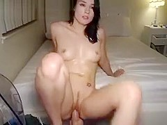 Hot Orgasms From This Nympho Webcam Girl