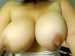 Milf Big Boobs Show
