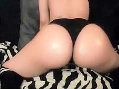 Blond amateur masturbate