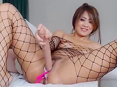 Thai Sexy Slut Flashing On Live Camshow