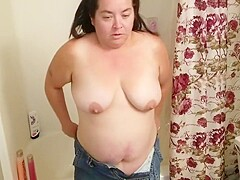 Sexy BBW Takes a Shower and Then Takes a Facial