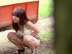 Japanese Whore Urinating