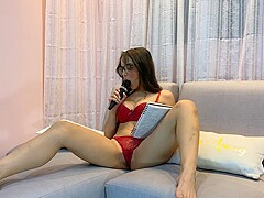 Gaby reads spanish erotic poetry and turns her on (Part 1)