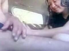 شرموطة ليبية تتناك بالعربية - PornZog Free Porn Clips