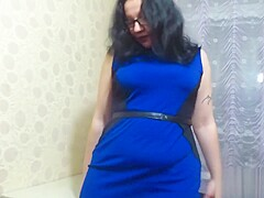 Russian mature milf shows her body