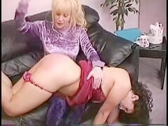 Mom Spanking Daughter and Clean Ass and Pussy xLx