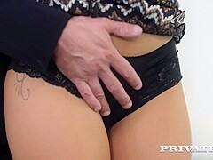 Julia de Luciacute;a, horny secretary in a threesome with DP - Private