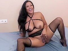 Maxine X - lots of squirting und fucking in stockings (no shoes, size 5.5)