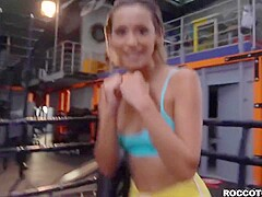 Colombian fitness babe Veronica Leal gangbanged in gym