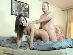 Young hothead wants her pussy fucked hardcore and cumshot in her mouth