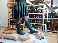 Classical Trampling in Boots