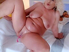 Spanish Blond BBW playing with herself