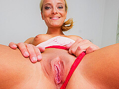 Amy Pink in Amy Needs to Go On Your Face - CzechVRFetish