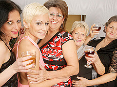Five Horny Old And Young Lesbians Make It Special For Christmas - MatureNL