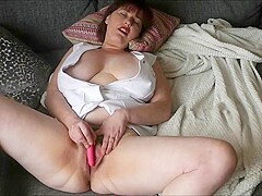 Janey Plays With Her Cunt Until She Cums Pt1 - TacAmateurs