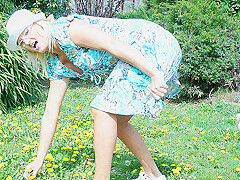 Naughty Blonde Housewife Playing In Her Garden - MatureNL